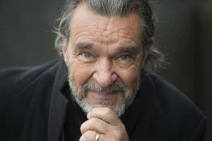 Skådespelaren Kjell Bergqvist är en av de fem nominerade till
