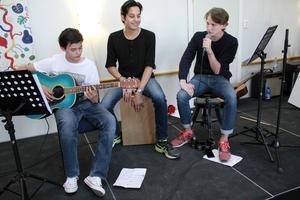 Anton Lindqvist, Axel Spjutsvik och Elias Öberg höll musiken i gång.
