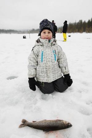 Benjamin Karlsson-Nääs med sin härliga firre under Hedenappet. Foto: Håkan Degselius