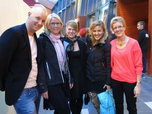 Simon Sandin, Jessica Wilhelmsson, Carro Andanius, Christine Nilsson och Anna-Lena Sjölander hade åkt från Hudiksvall för att vara med på festen.