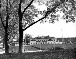 """Gamla järnvägsstationen. Så såg originalet ut. Sedan byggdes en kopia som blev en """"tjäderhare"""". Foto: Gunhild Malmberg"""