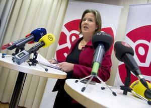 Carin Jämtin leder Socialdemokraternas rekrytering av en ny partiledare. Men hennes jobb är också att försöka ena partiets fraktioner.