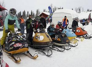 På startlinjen Ungdom -75, från vänster, Theo Pettersson, Moa Andersson, Axel Johansson, Clara Nygaard, Erik Halvarsson.