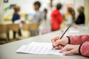 Personal på förskola, fritids och förskoleklass ska få arbetskläder för utebruk.