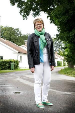 """TRYGGHET. Catarina Deremar laddar batterierna i sin barndoms Ullfors bruk. Med avstamp i hembygdens mylla siktar hon på att ta över i Tierps kommun. """"Jag har ett mål och det är att bli kommunalråd"""", säger hon."""