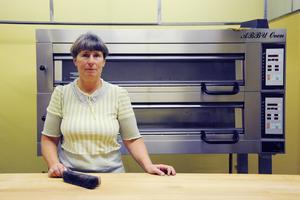 På Lövsta företagscenter på Frösön har nu Almuth M. Roos fått hyra en lokal av kommunen att driva sitt bageri i. Lokalerna användes tidigare till en kockutbildning men nu är det matbröd för hela slanten som gäller.