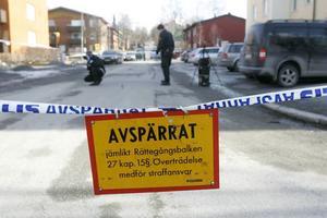 Under söndagsförmiddagen gjordes brottsplatsundersökning bland annat på Ängegatan nära Brunflovägen.