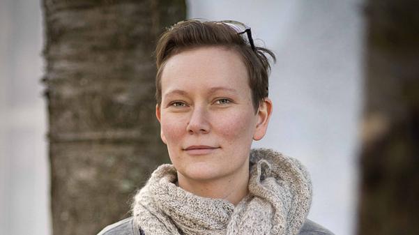 Matilda Ruta är konstnär, författare och illustratör och kallar sig själv för bilderboksberättare.