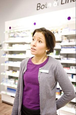 Handdesinfektionsmedel och vätskeersättning efterfrågas mer än vanligt, säger Apotekschef Jasmine Stenberg.