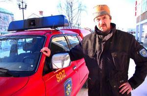 """Jan-Erik Löfvenberg, kårchef  i Strömsund, är orolig över hur  a-kassereglerna slår mot deltidsbrandmännen. """"Ett stort och ekonomiskt problem"""", säger han."""