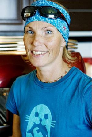 """Eva Gefvert Nordell har själv rest runt till olika kaffeodlare för att förstå hur hela kaffeprocessen går till. """"Det är viktigt att förstå vilken fantastisk råvara det är"""", säger hon.Foto: Ulrika Andersson"""