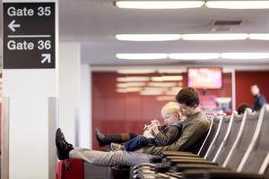 Många passar på att ta det lugnt och umgås innan resan.