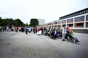Drömkarnevalen gick genom Sandviken mot Stadsparken.