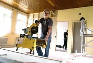 Erik Thunefors vill se körkortsteori som obligatorisk utbildning vid Bobergsgymnasiet.