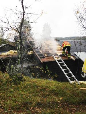 Branden började troligtvis i bastun och spred sig till andra våningen.