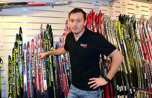 Fredrik Anger ordförande i IFK Hedemora skidklubb välkomnar de 25 000 klubben fått från Skidlyftet 2015.