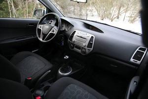 Hyundai i20 har växt på alla ledder jämfört med föregångaren Getz och kvalitetskänslan har lyfts.