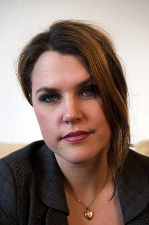 Mia Skäringer skrev en av 2008 års mest omtalade och självutlämnande bloggar, men strax efter nyår lade hon ner den. Nu satsar hon på en föreställning tillägnad alla dem som följde hennes dagbok på nätet.