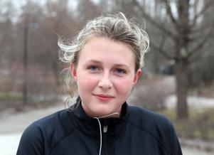 Tuva Malmo, studerar,19 år, Valbo:– I alla fall en gång i veckan är jag ute och springer själv eller så promenerar jag med min mamma. Det är hon som driver på mig, för hon tränar mycket.