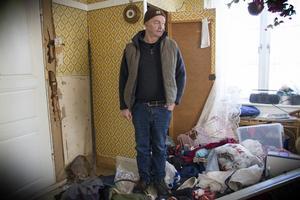 Vännen Ove Larsson var han som upptäckte inbrottet i torsdags. Han tittade till sina föräldrars stuga i närheten av Rolf Forsbergs fritidshus och såg omedelbart snabbt att någon varit framme.