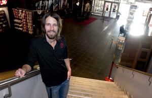 Johan Rockner, platschef på Biopalatset, tror på de nya visningstiderna.