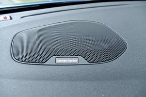 Volvo har en lång tradition av att erbjuda bra hifi-utrustning. Till årsmodell 2015 erbjuds ett nytt system som utvecklats tillsammans med hemstereotillverkaren Harman Kardon.    Foto: Eric Lund