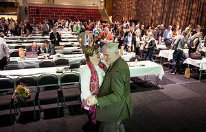 Centerstämman i Falun 2015 slutade med dans. Centerns vice partiordförande Anders W Jonsson bjöd upp Catarina Deremar från Tierp.