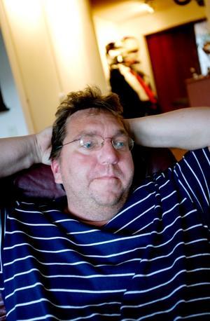 Hans-Erik Karlsson genomgick en njurtransplantation förra året och det gav honom ett värdigt liv igen. Nu hoppas han att Daniel Westlings operation kommer att göra njursjukdomar mer uppmärksamhet så att fler vågar donera en av sina njurar.