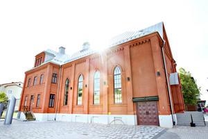 Gamla Drottningen i Sandviken har byggts om till restaurangen The Church som öppnar på fredag.