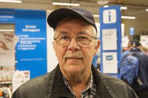 Rainer Andersson åkte från Strömsund för att köpa en tv när Netonnet öppnade i Östersund.