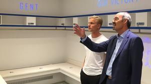 Jacob Rinne visades runt på sin nya hemmaarena, Ghelamco arena, på fredagen. Här inne i omklädningsrummet.