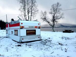 Stormen välte Madeleine Olofssons husvagn på vildmarkscampingen i Ankarvattnet.