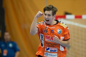 Jerry Tollbring jublar i IFK Kristianstads tröja efter ett av sina fem mål i elitseriepremiären mot Lugi.