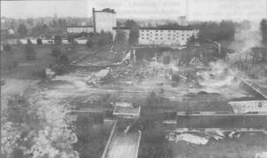 Efter branden fanns det bara kvar ett förvridet stålskelett och sotsvart aska.