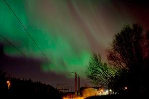 Norrskenet över Granloholm visade sig klart och tydligt under natten mot tisdagen.