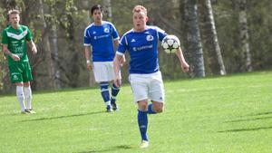 Oscar Karlsson spelar vidare i Skinnskatteberg den här säsongen.
