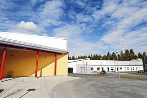 S, V och MP får kritik för att ta tillbaka driften av äldreboendet i Torvalla.