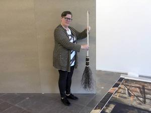 Inbjudna amerikanska konstnären Allison Smith reflekterar över varför vi bara visar upp vissas hantverk på Skansen.