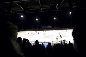 SAIK spelar  fem av sina elitseriematcher utomhus på Jernvallen i vinter då Göransson Arena är upptagen.