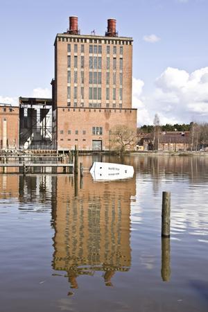 Skut-slut i sikte. När vraket nedanför Ångkraftverket plockas upp kan det även behöva saneras på platsen. FOTO: PETER JASLIN