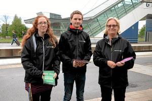 Kampanj. Linda Eng, Andreas Tranderyd och Lotta Öhlin i Miljöpartiet hoppas att partiet kan öka till tre mandat i fullmäktige i Hallsberg.