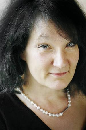 """Fagraste författarskapet. Monica Fagerholm har ett säreget språk och en säregen berättarteknik.  """"Glitterscenen"""" är perfekt."""