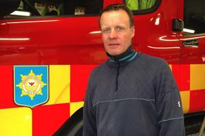 Stefan Wengelin, kårchef i Säter, riskerar att i princip bli ensam kvar på stationen i Säter om deltidsstyrkan gör slag i saken att säga upp sig.