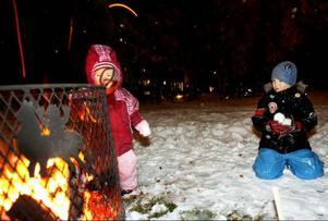 Per Olsson och hans syster Lisa gillar snö.