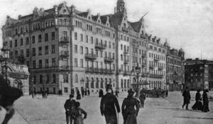 HOTELLGAST. I början av 1900-talet basade Wilhelmina Skogh över flotta Grand Hotel i Stockholm. Där gjorde hon storslagna investeringar som kom att bli hennes fall och det sägs att hon fortfarande spökar där!