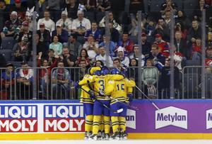Tre Kronor är klara för VM-final efter seger över Finland.