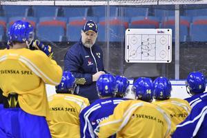 Tre Kronors förbundskapten Rikard Grönborg valde att ställa in tisdagens träning.