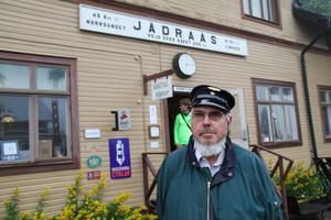 Bromsaren Mats Gullberg har varit engagerad i föreningen i fem år. Han gillar att tågtraditionerna hålls vid liv och att Jädraås lever upp på sommaren.