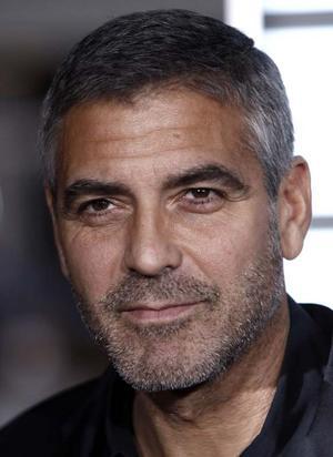 George Clooney har eftertraktade fötter ...