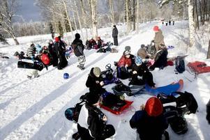 FIKA. Varm choklad, smörgåsar och korvgrillning är minst lika viktigt som snön på en vinterfriluftsdag.